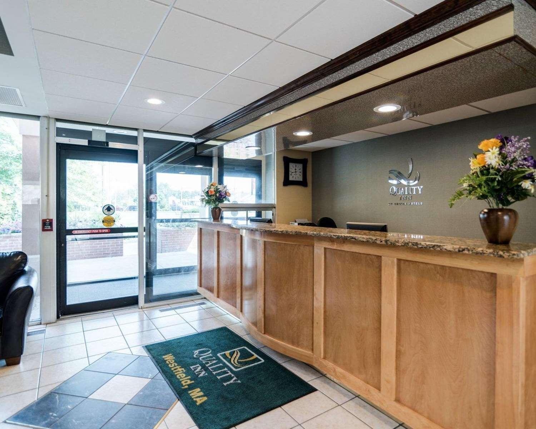 Lobby - Quality Inn Westfield