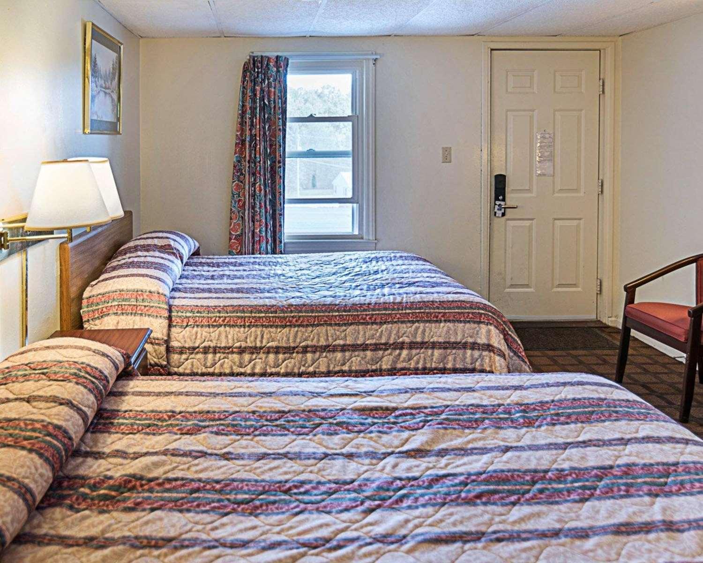 Suite - Rodeway Inn Westminster