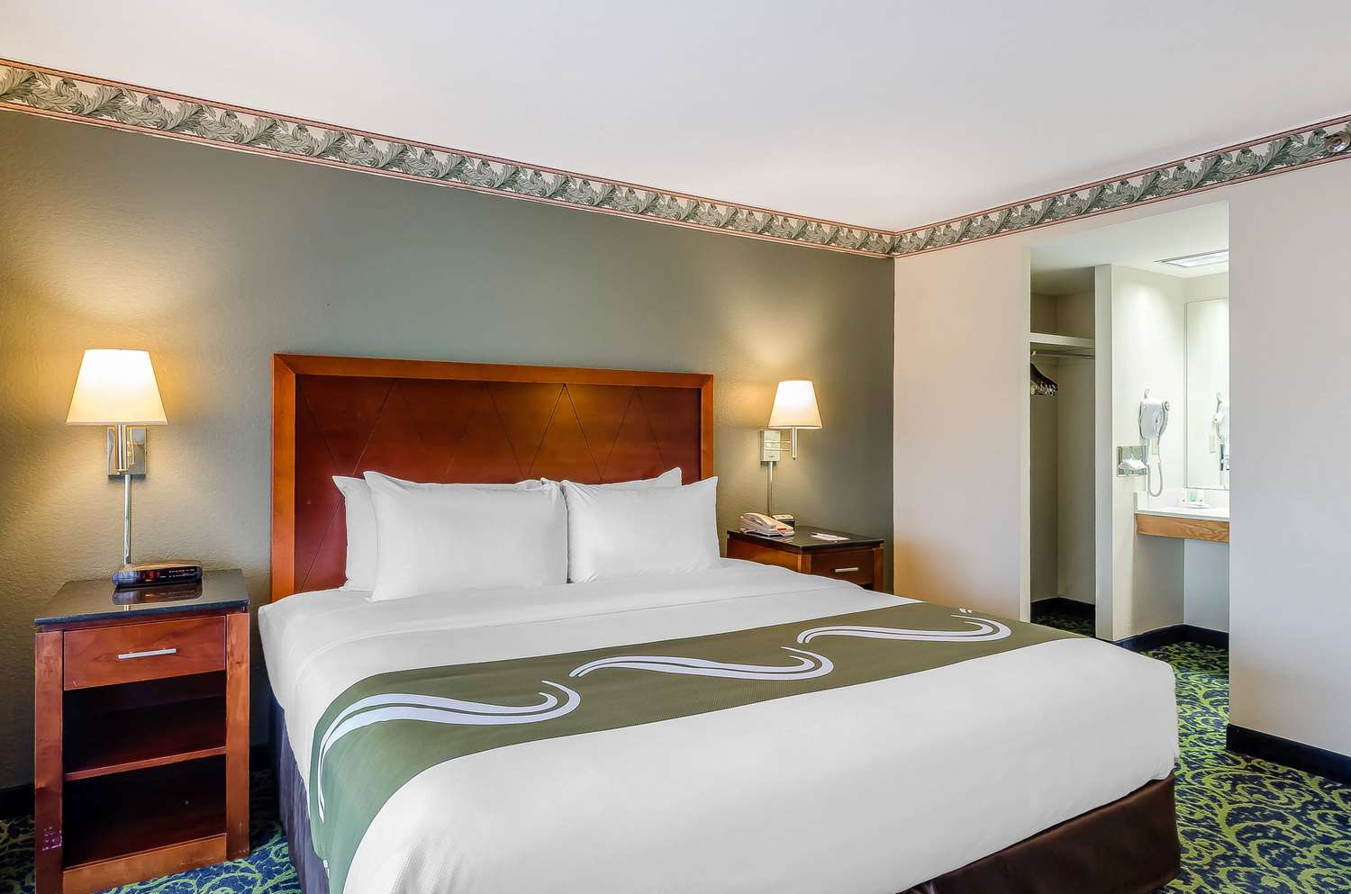 Suite - Quality Inn & Suites Lexington
