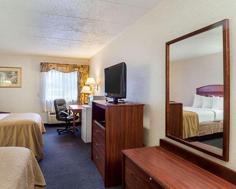 Room - Quality Inn & Suites Worcester