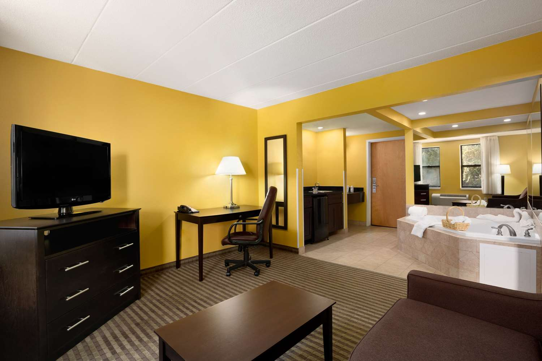 Suite - Quality Inn Middleboro