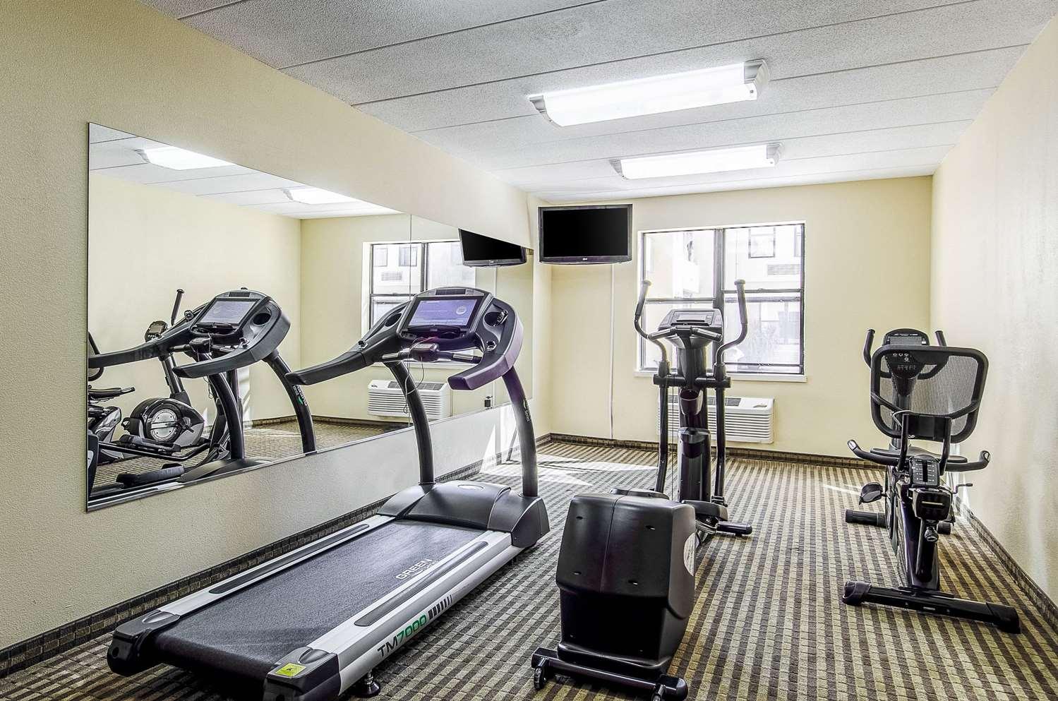 Fitness/ Exercise Room - Quality Inn Middleboro
