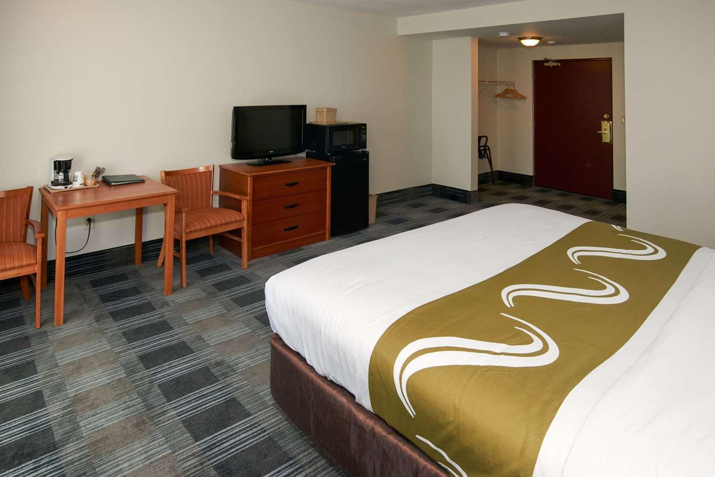 Room - Quality Inn Bourne