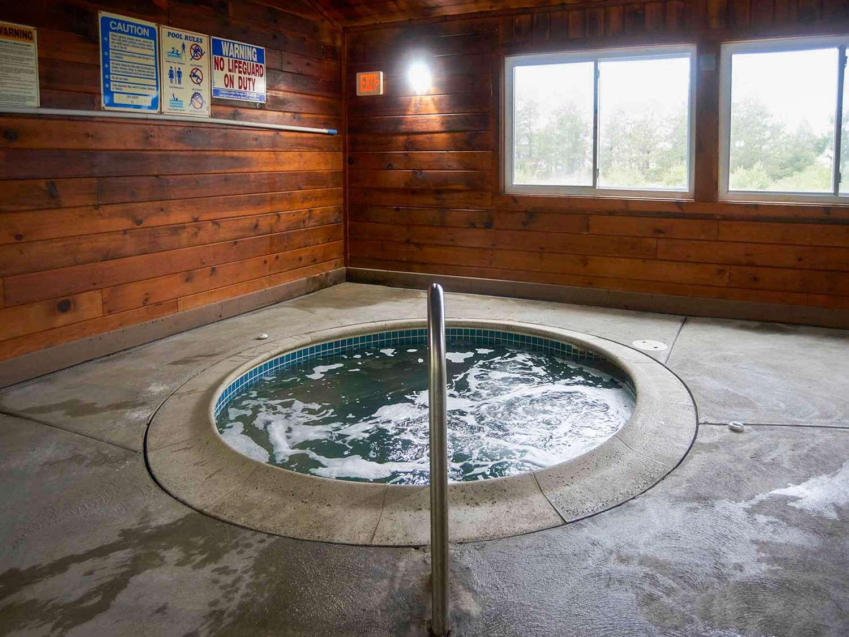 Pool - Quality Inn Bourne