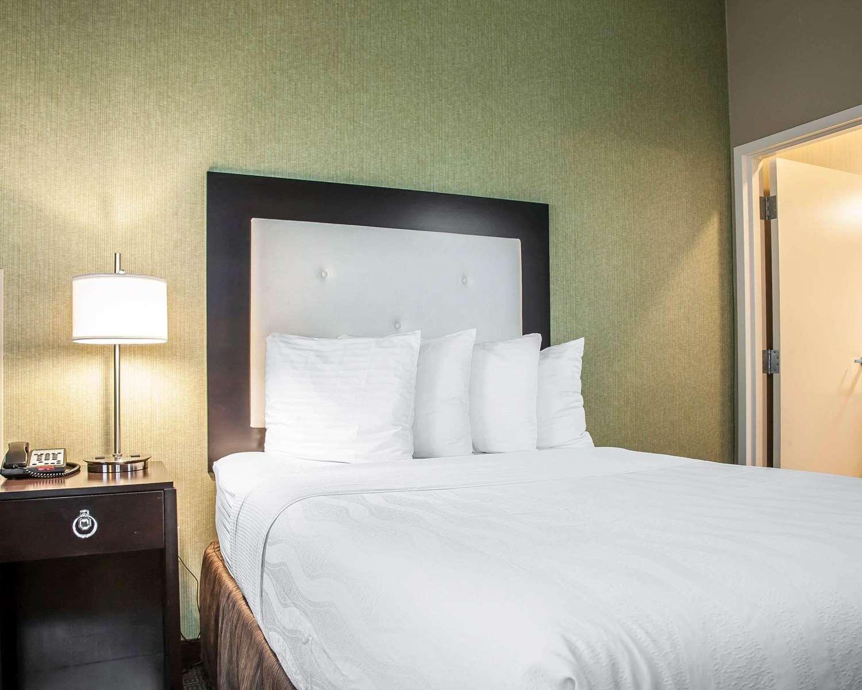 Room - enVision Hotel Boston