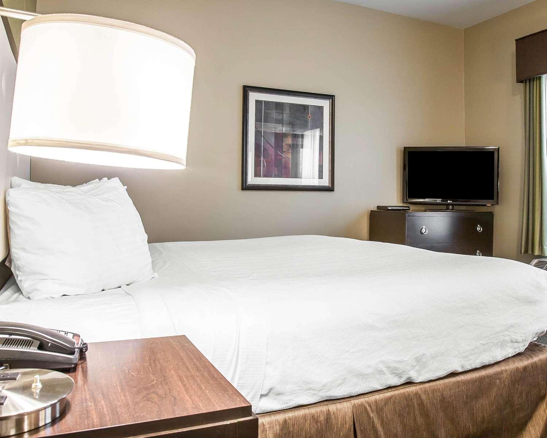 Suite - enVision Hotel Boston