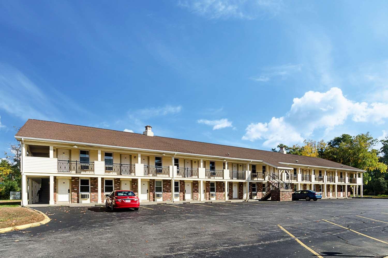 Exterior view - Econo Lodge Sturbridge