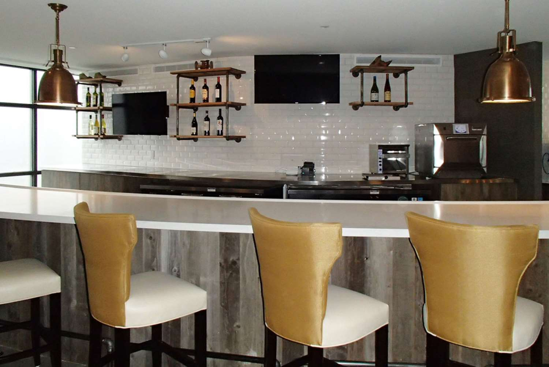 Restaurant - Envision Hotel Everett