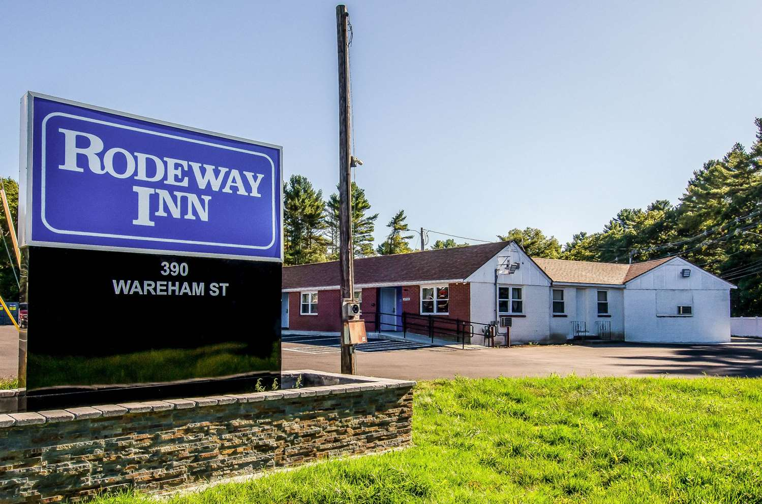 Exterior view - Rodeway Inn Middleboro