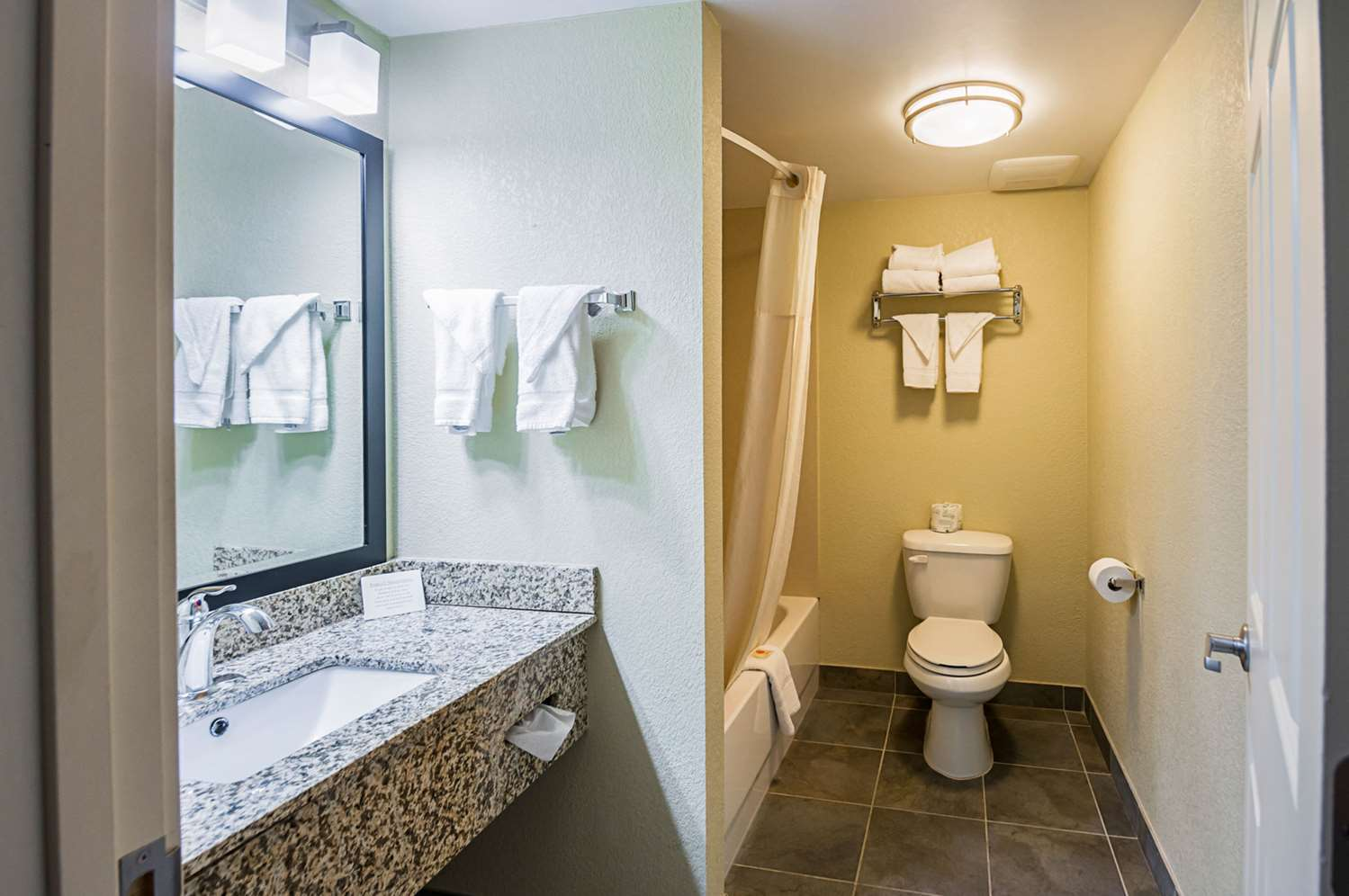 Suite - Quality Inn & Suites Hagerstown
