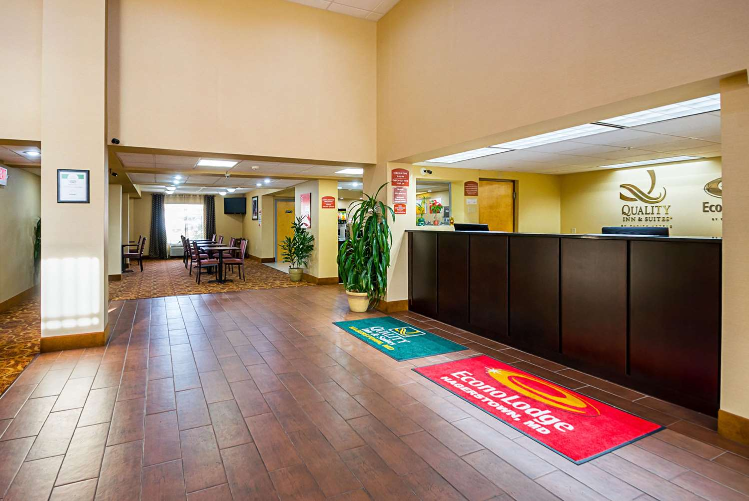 Lobby - Quality Inn & Suites Hagerstown