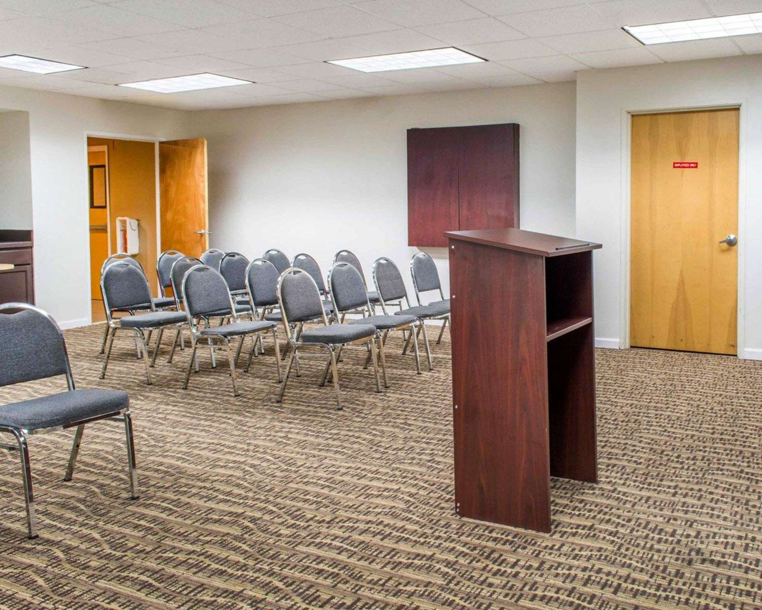 Meeting Facilities - Comfort Suites Waldorf