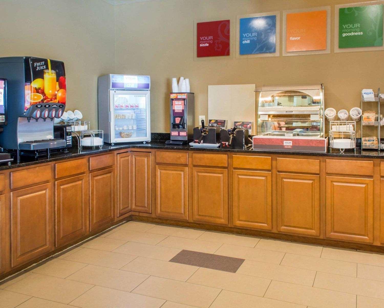 Restaurant - Comfort Suites Waldorf