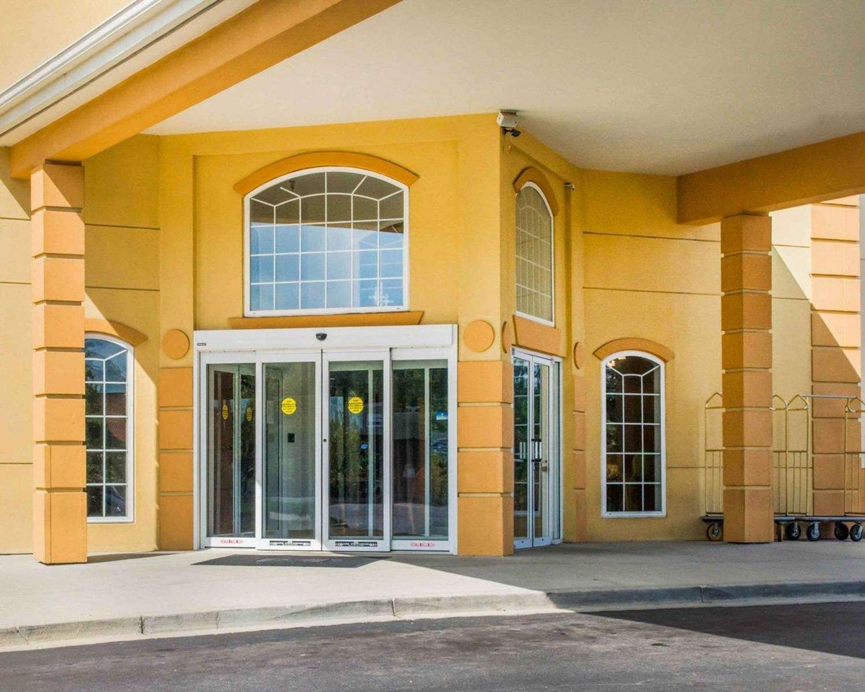 Exterior view - Comfort Suites Waldorf