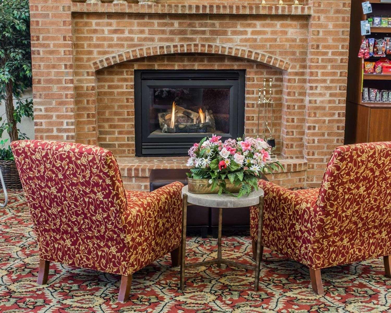 Lobby - Comfort Suites Hagerstown