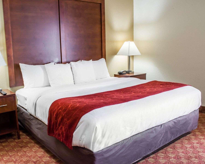 Room - Comfort Suites Hagerstown