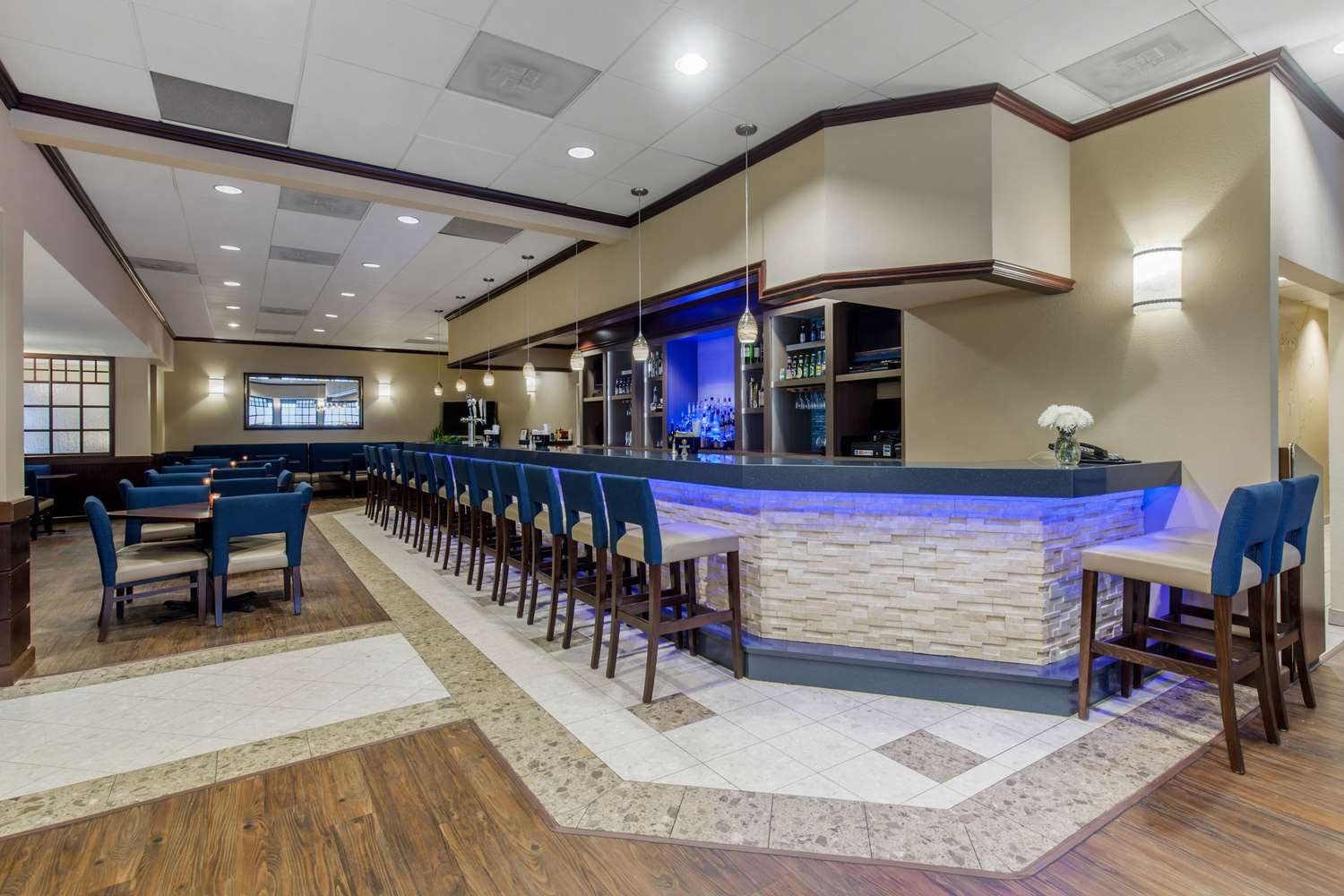 Bar - Comfort Inn Conference Center Hotel Bowie