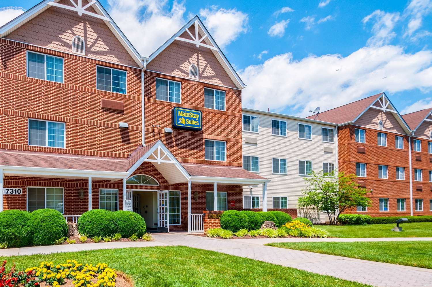 Exterior view - MainStay Suites Frederick