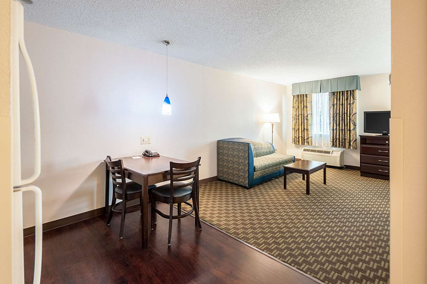 Room - MainStay Suites Frederick