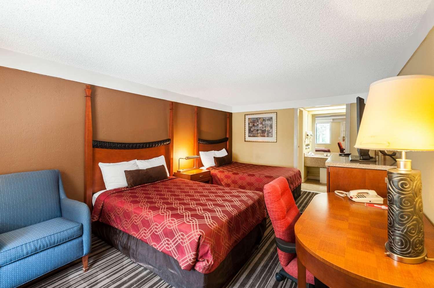 Room - Econo Lodge Frederick