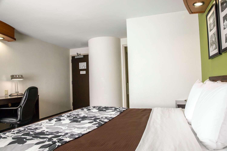 Room - Sleep Inn & Suites Emmitsburg