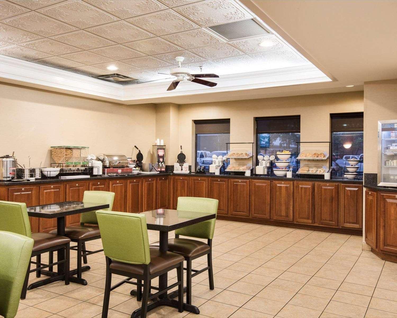 Restaurant - Comfort Inn & Suites LaVale