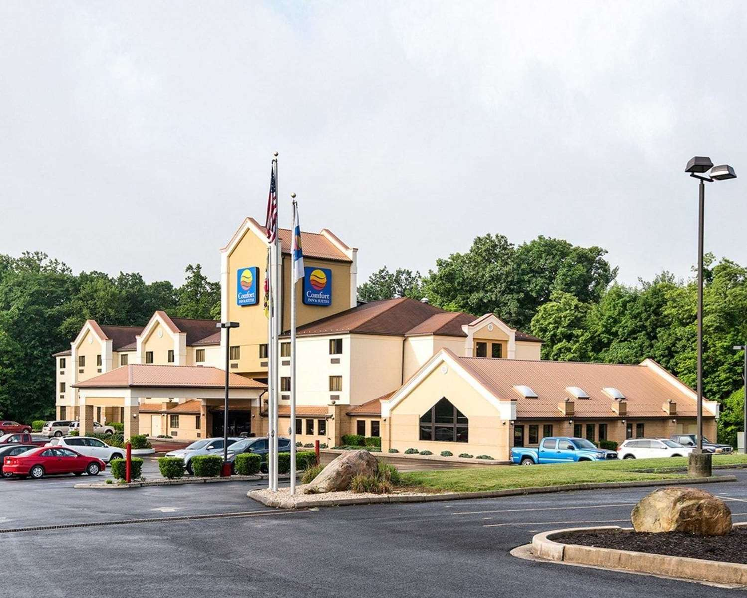 Exterior view - Comfort Inn & Suites LaVale