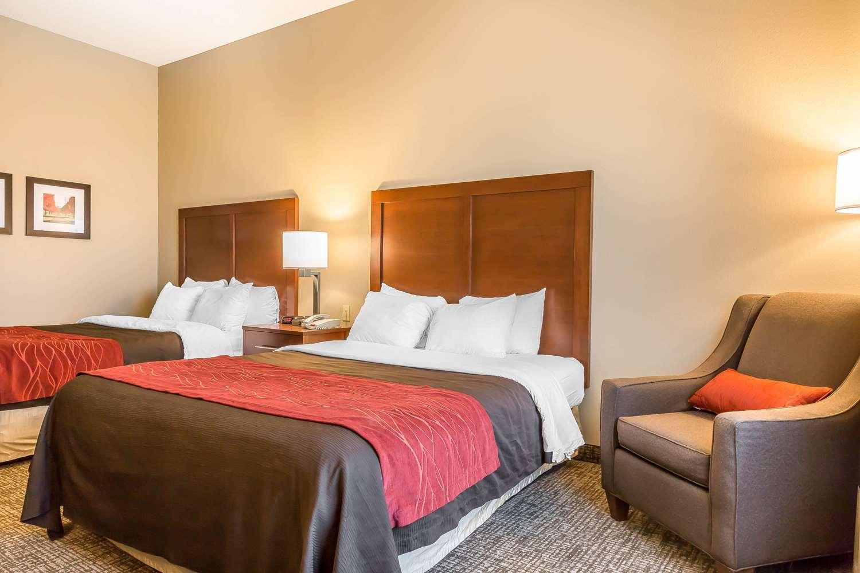 Room - Comfort Inn Frederick