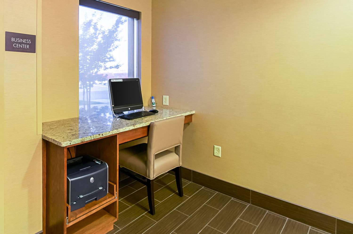 Conference Area - Comfort Inn Frederick