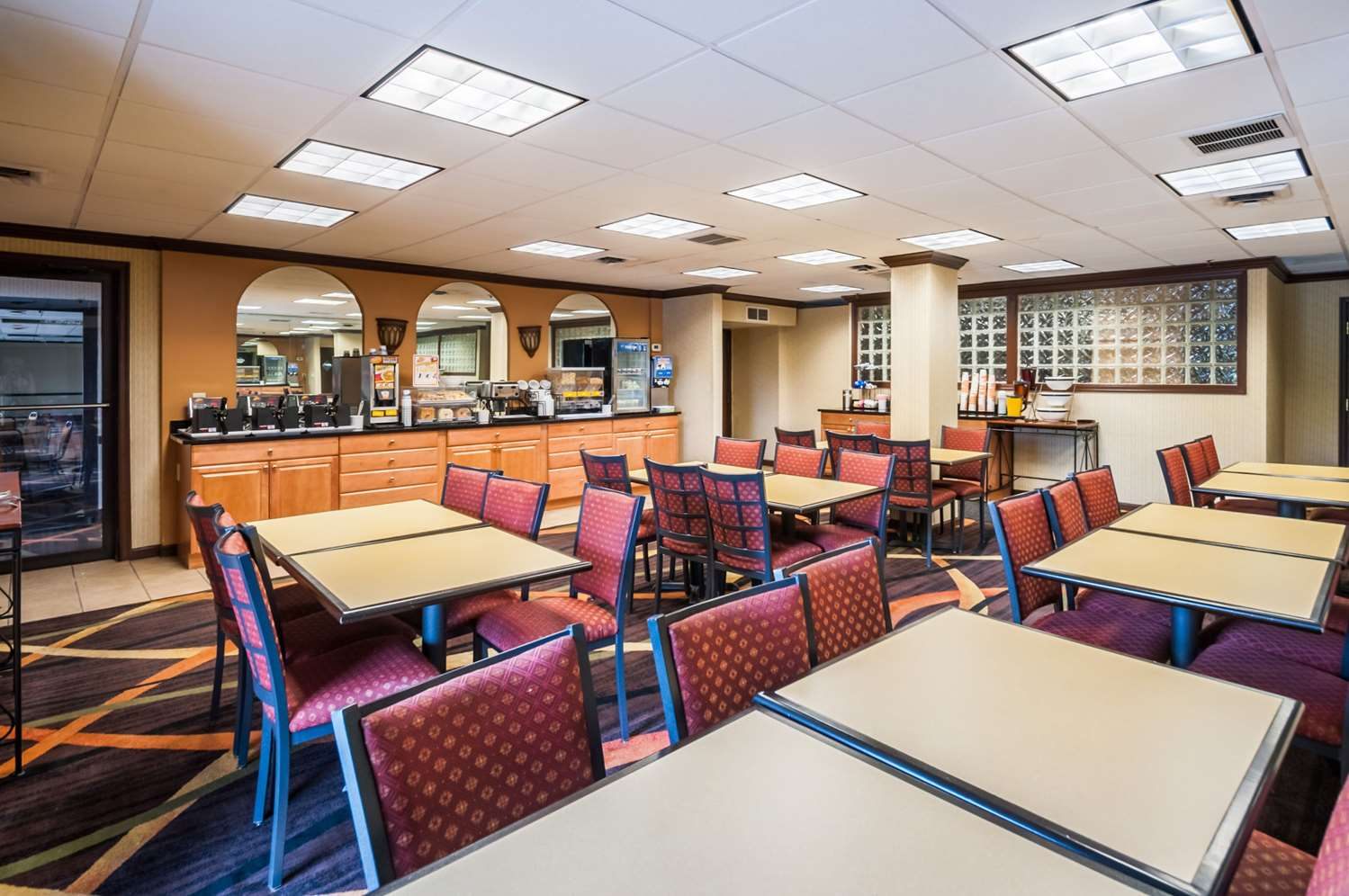 Restaurant - Comfort Inn Towson