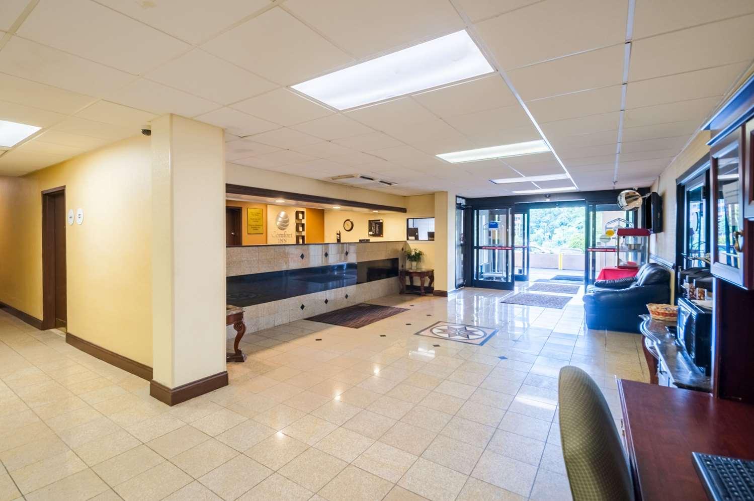 Lobby - Comfort Inn Towson