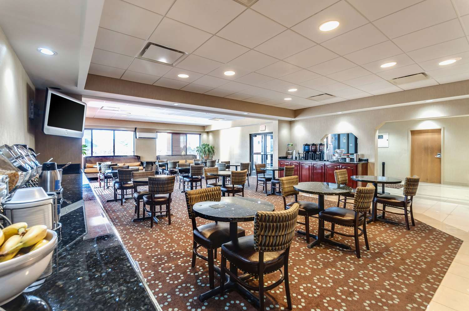 Restaurant - Comfort Inn & Suites Edgewood