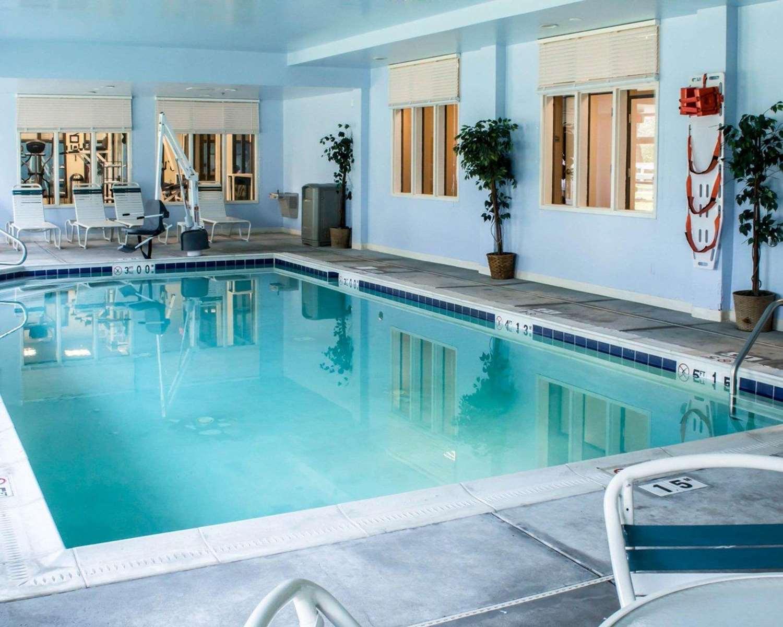 Pool - Sleep Inn & Suites Laurel