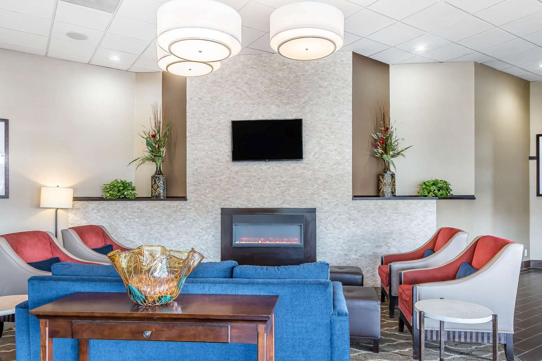 Lobby - Comfort Inn & Suites Aberdeen
