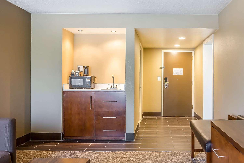 Suite - Comfort Inn & Suites Aberdeen