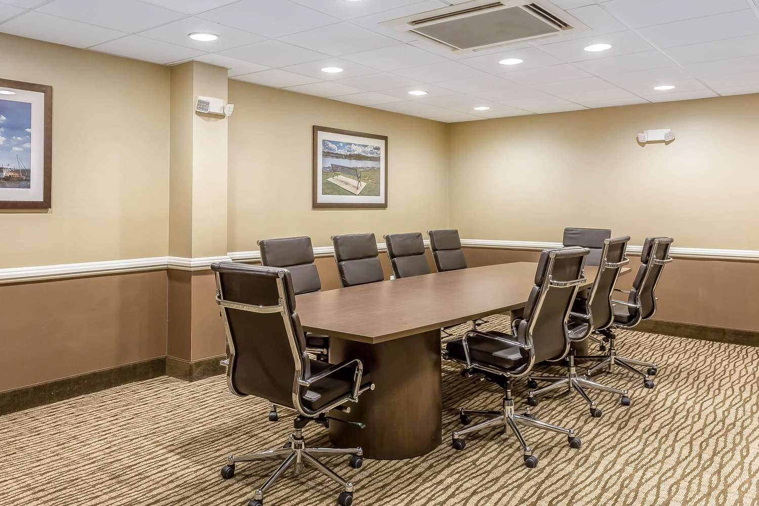 Meeting Facilities - Comfort Inn & Suites Aberdeen