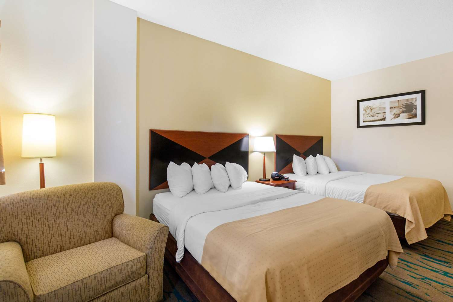 Room - Gateway Hotel & Suites Ocean City