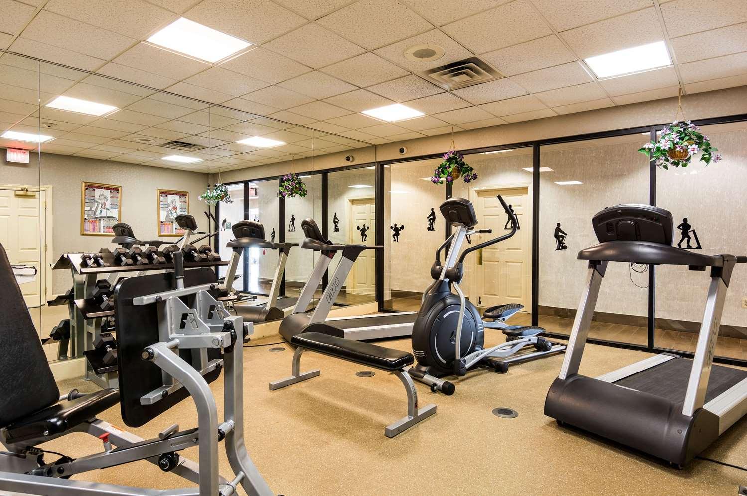 Fitness/ Exercise Room - Quality Inn Camp Springs