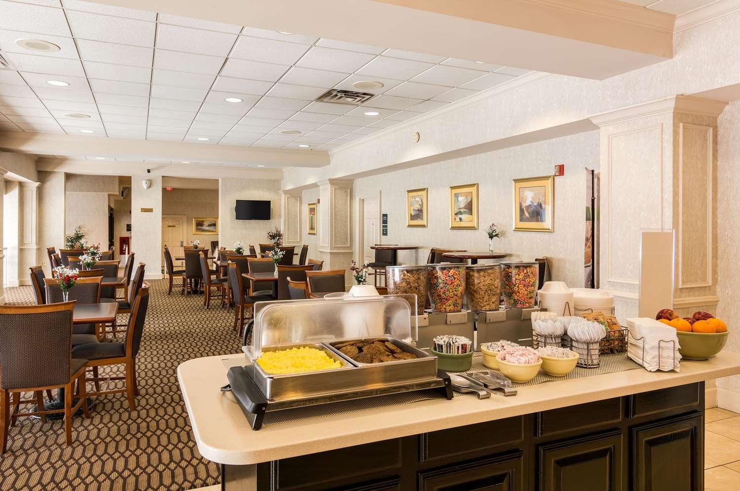 Restaurant - Quality Inn Camp Springs