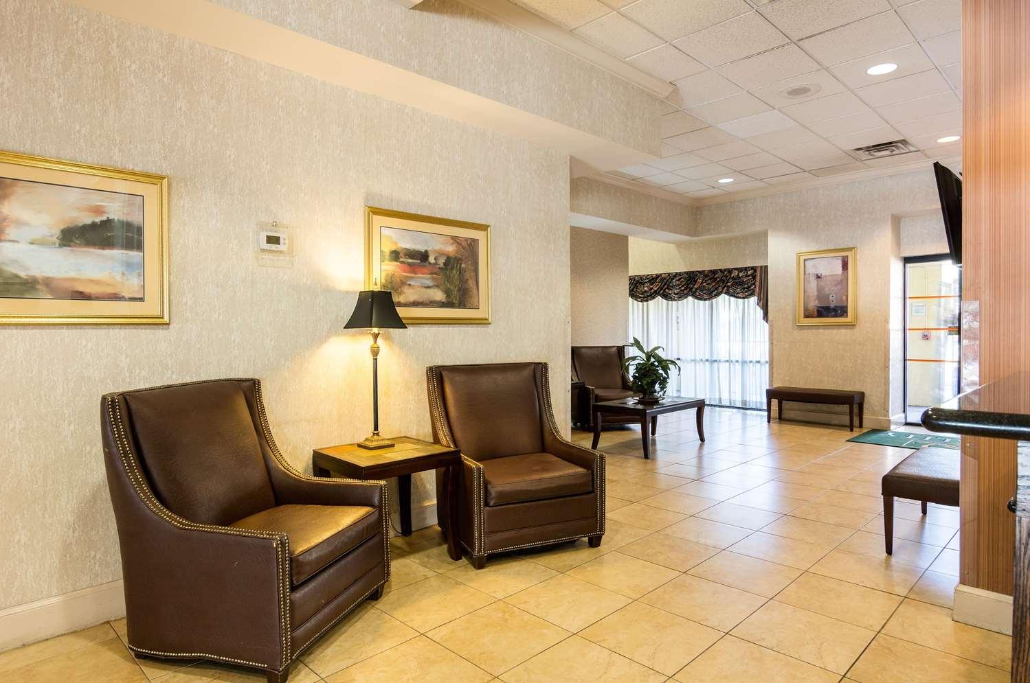 Lobby - Quality Inn Camp Springs