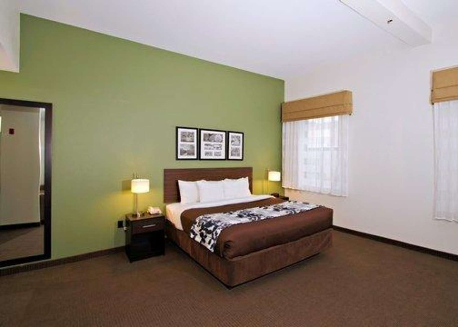 Suite - Sleep Inn & Suites Downtown Inner Harbor Baltimore