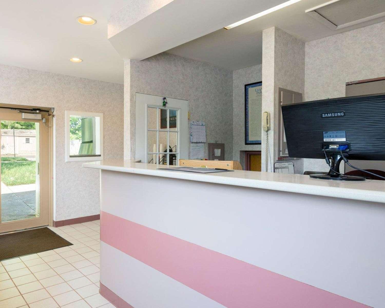 Lobby - Rodeway Inn Annapolis