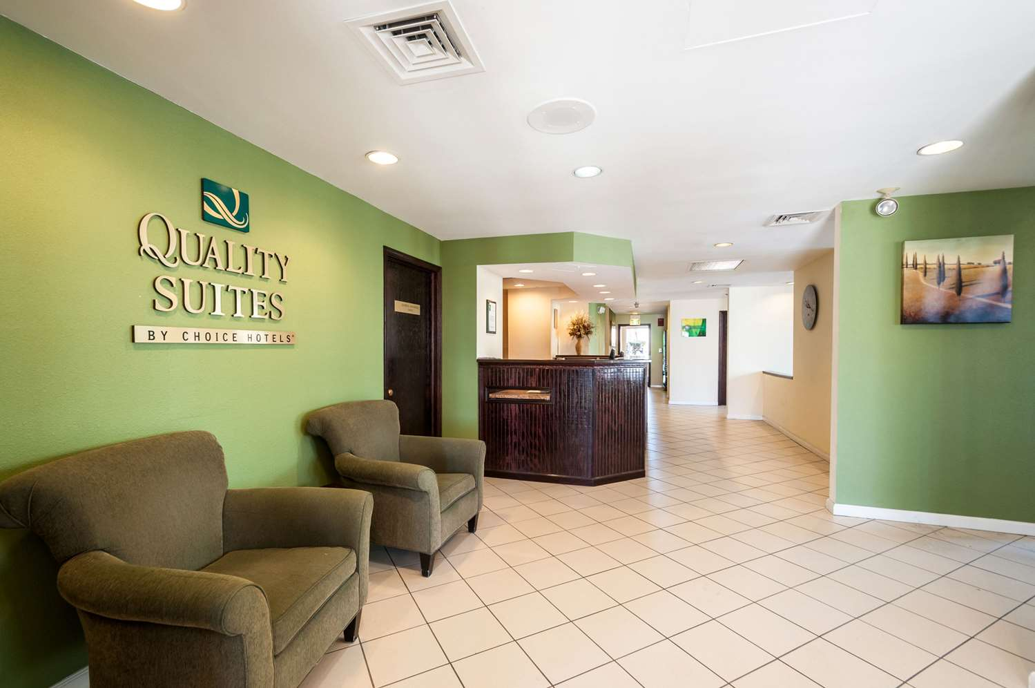 Lobby - Quality Suites Hunt Valley
