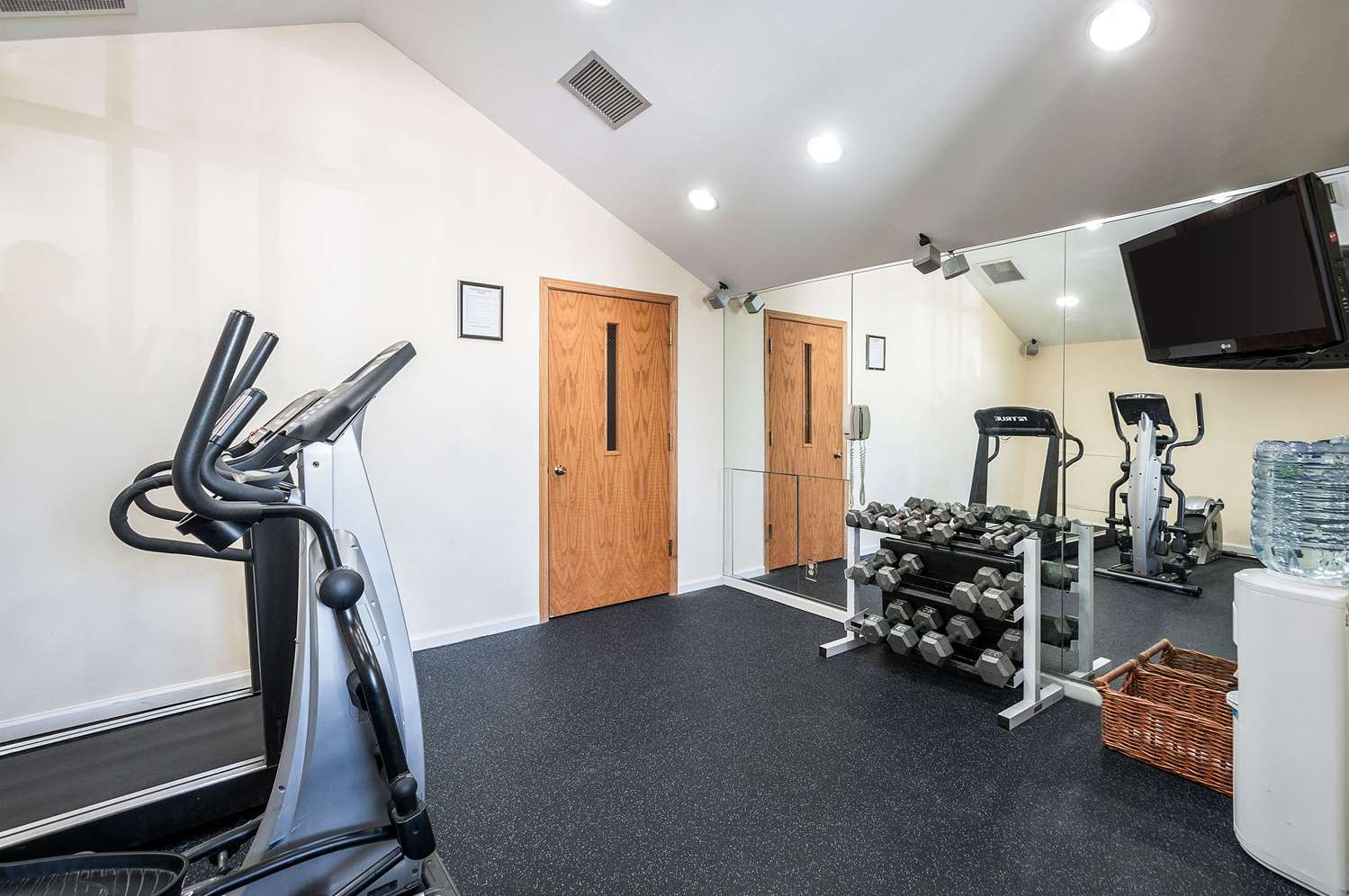 Fitness/ Exercise Room - Quality Suites Hunt Valley