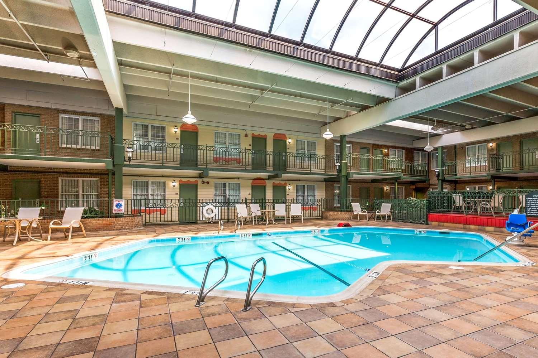 Pool - Clarion Inn Event Center Frederick