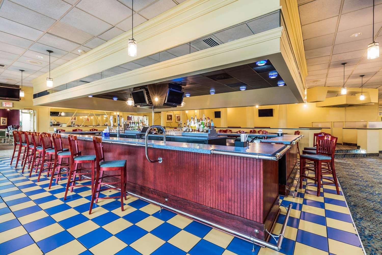 Restaurant - Clarion Inn Event Center Frederick