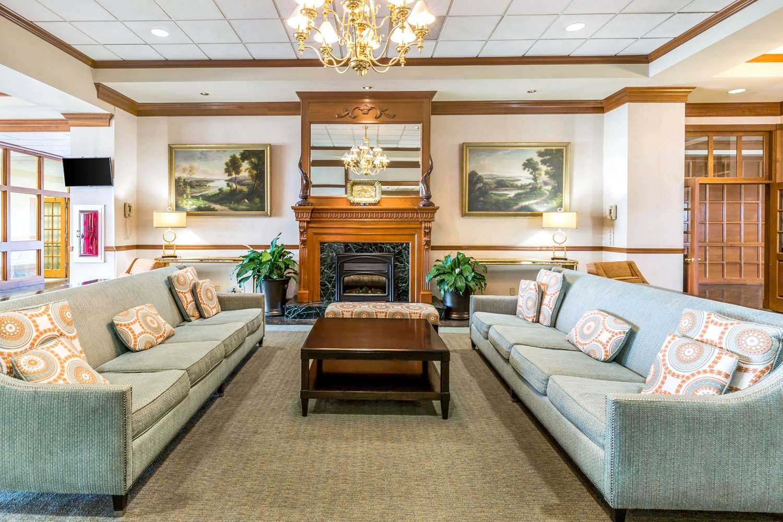 Lobby - Clarion Inn Event Center Frederick