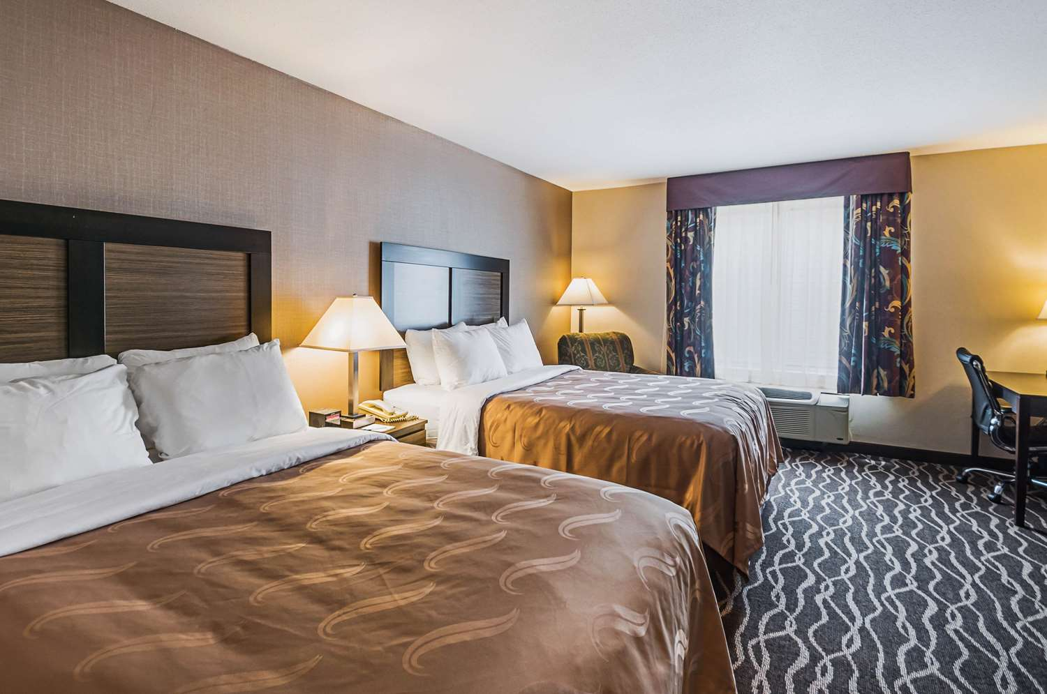 Room - Quality Inn & Suites Frostburg