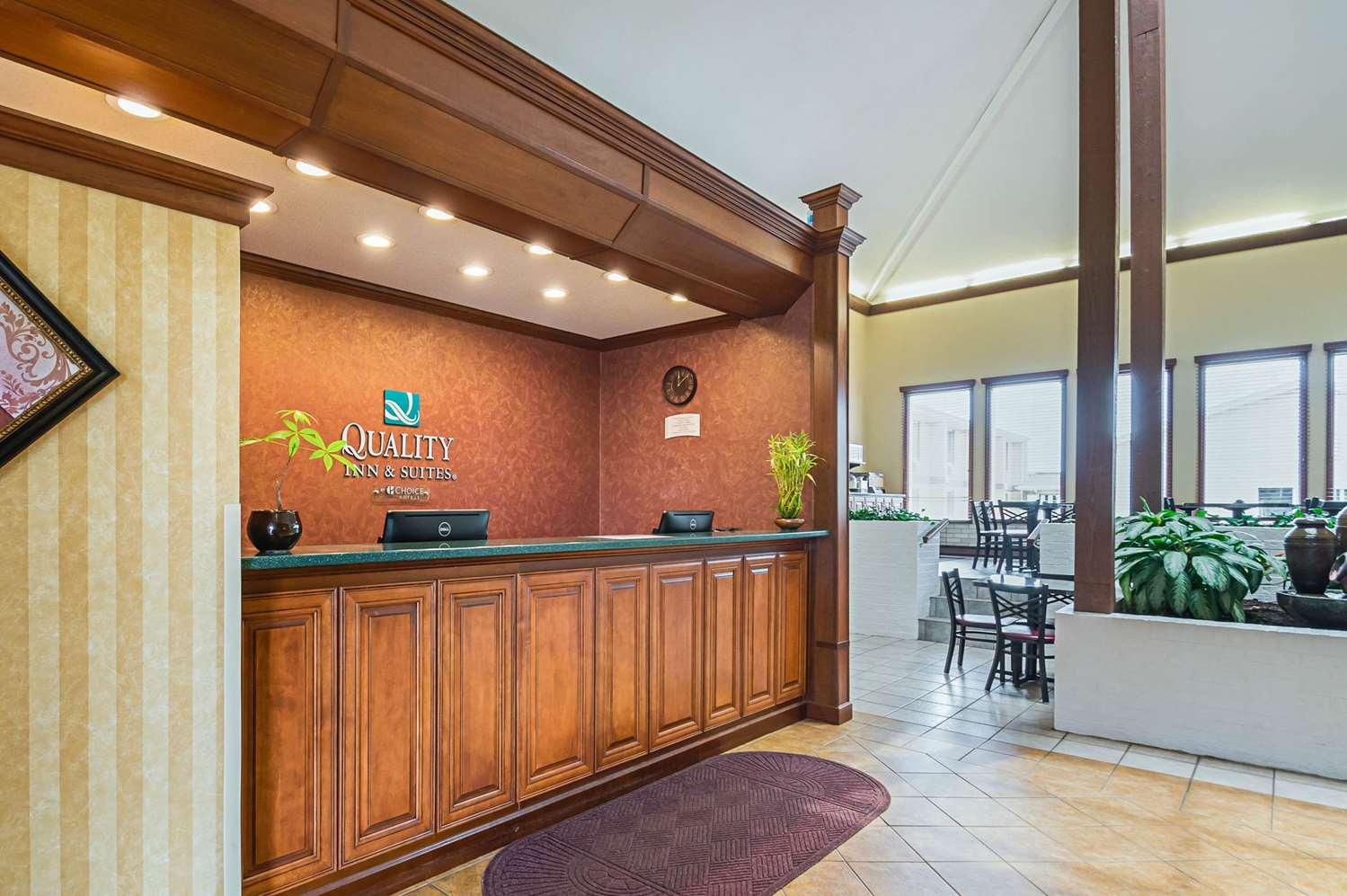 Lobby - Quality Inn & Suites Frostburg