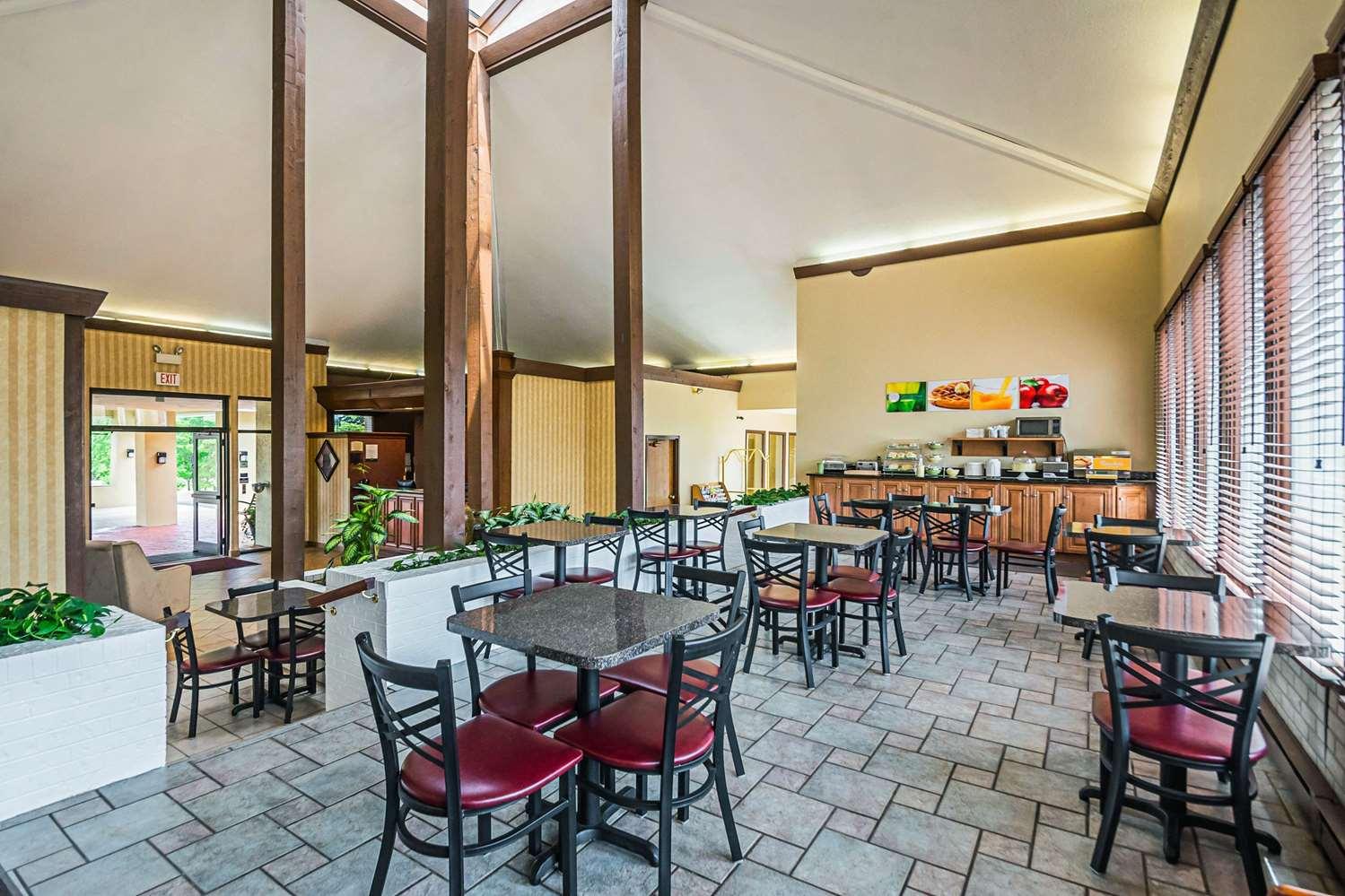Restaurant - Quality Inn & Suites Frostburg